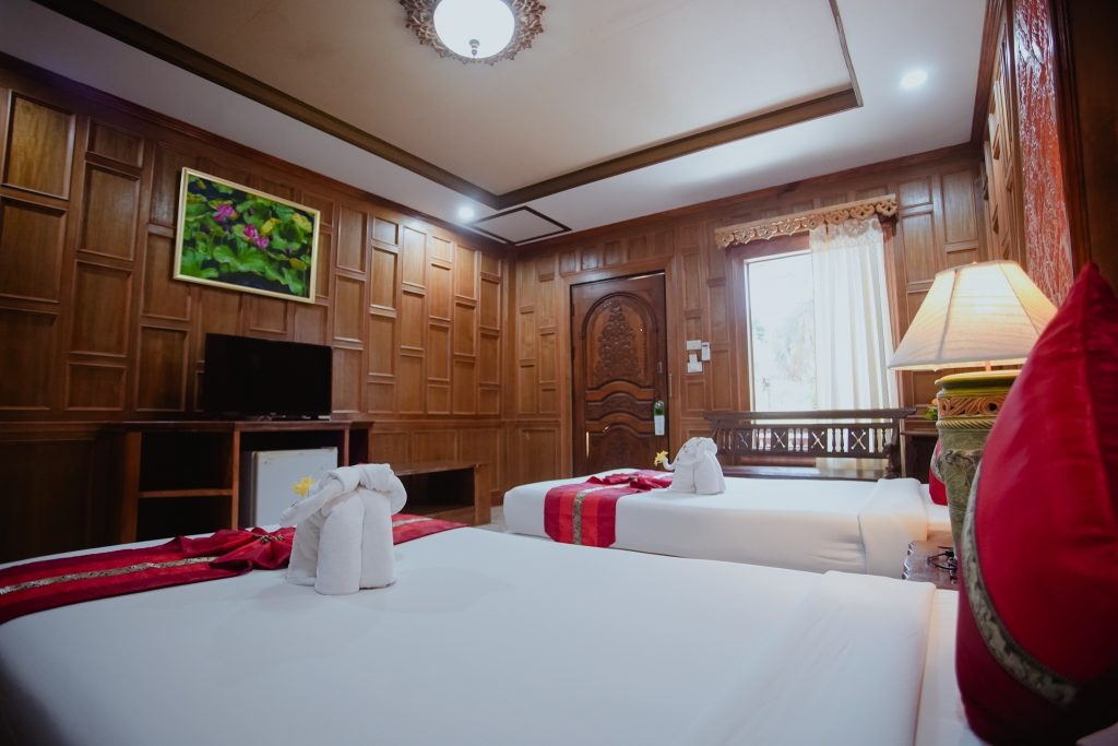 Villa 2 (Downstairs)